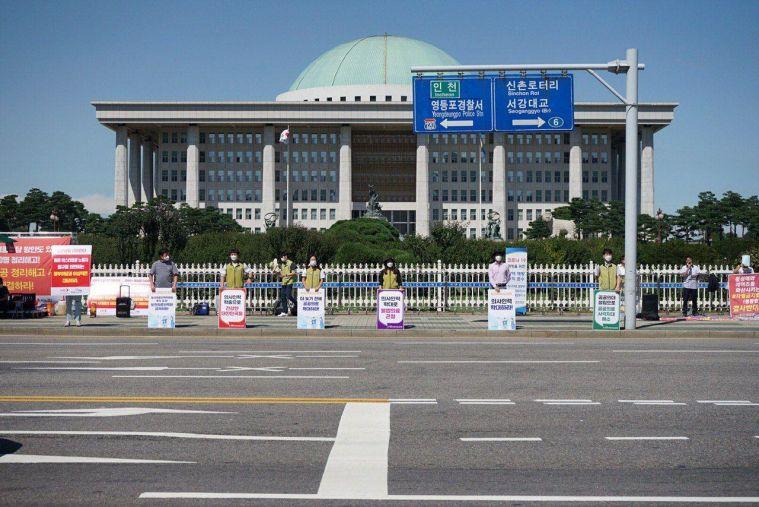 200918 공공의료 1인 시위3.jpg
